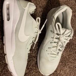 Nike Wmns Air Max Oketo Running Shoes Aq2231-400